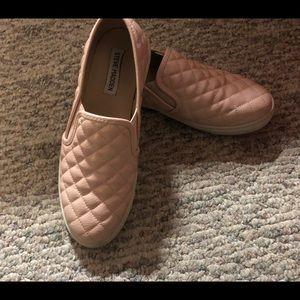 Steve Madden Ecntrcqt fabric slip on sneakers Sz 8